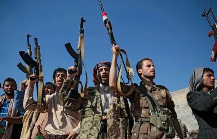 """اليمن   """"الحوثي"""" تقصف بالأسلحة الثقيلة أحياء بالحديدة"""