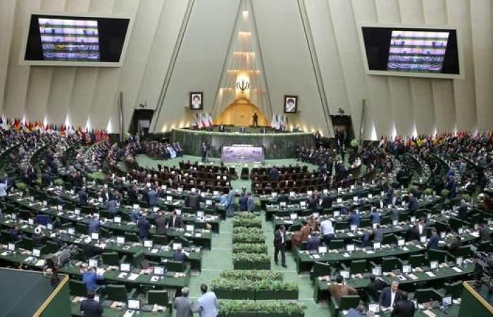 """إيران   إيران تصنف القیادة المرکزية الأميركیة """"إرهابية"""""""