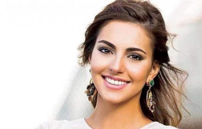 فاليري أبو شقرا تكشف النقاب عن خاتم خطوبتها.. شاهدي ما أجمله!