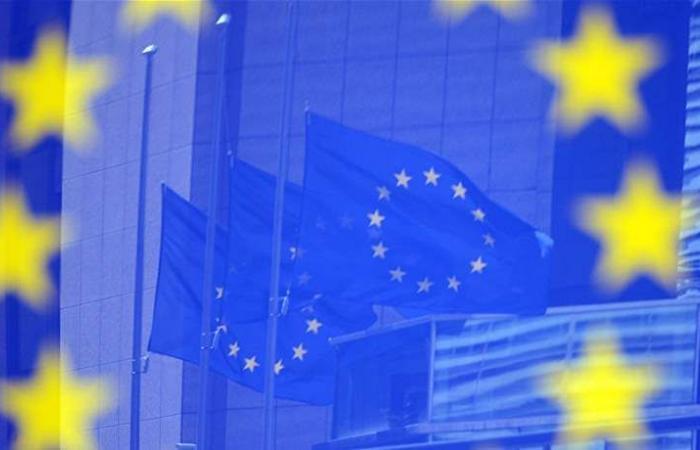 إيطاليا واليونان تغرقان في الديون.. هل تغادران الاتحاد الأوروبي؟