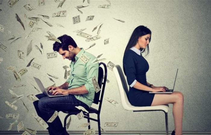 النساء أكثر ترددًا من الرجال في طلب زيادة الراتب