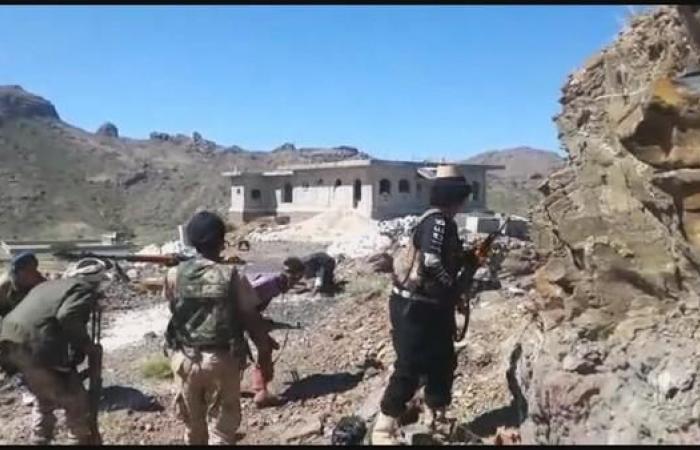 اليمن | الجيش اليمني يأسر 20 حوثياً في العود بينهم قيادي