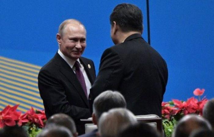 """الرئيس الصيني يمنح """"صديقه"""" بوتين لقباً جامعياً فخرياً"""