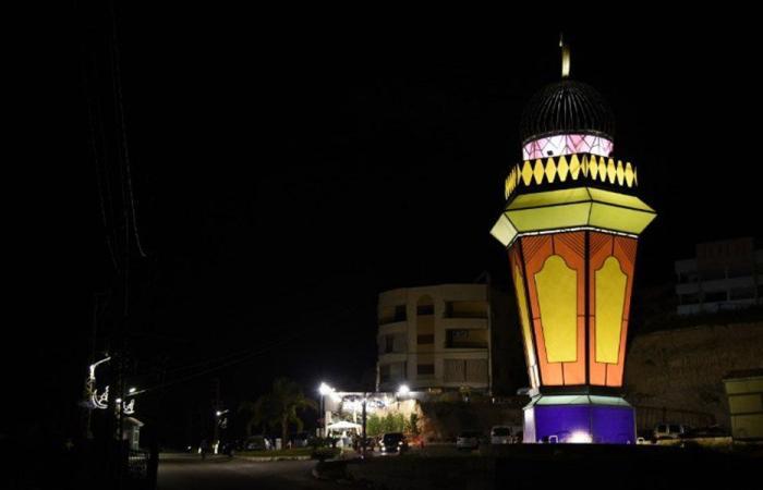 أكبر مجسم لفانوس رمضاني في لبنان