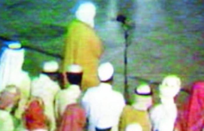 الخليح   متى نُقلت أول صلاة للتراويح على التلفزيون السعودي؟