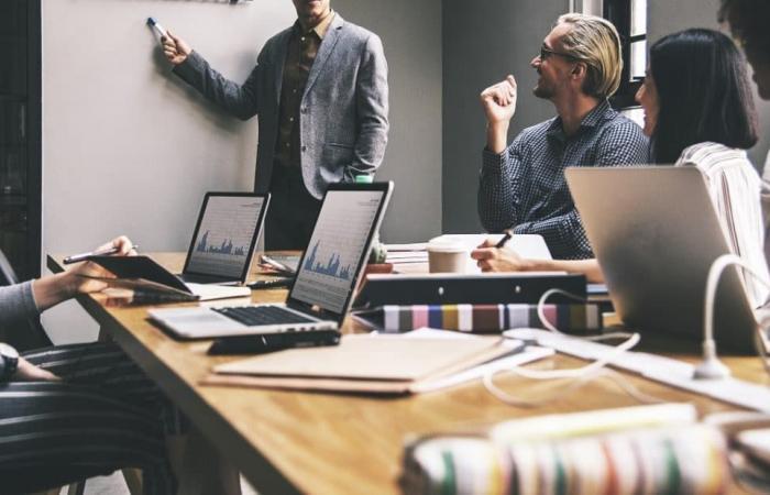 5 طرق تساعد الشركات الصغيرة على الاستفادة من الذكاء الاصطناعي