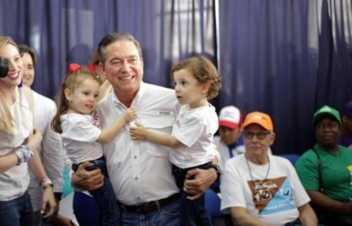 فوز المرشح الاشتراكي الديموقراطي في الانتخابات الرئاسية في بنما