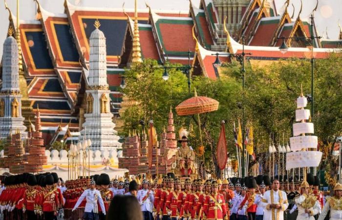في أول مراسم منذ 70 عاما.. ملك تايلاند بتنصيب مبهر (بالصور)