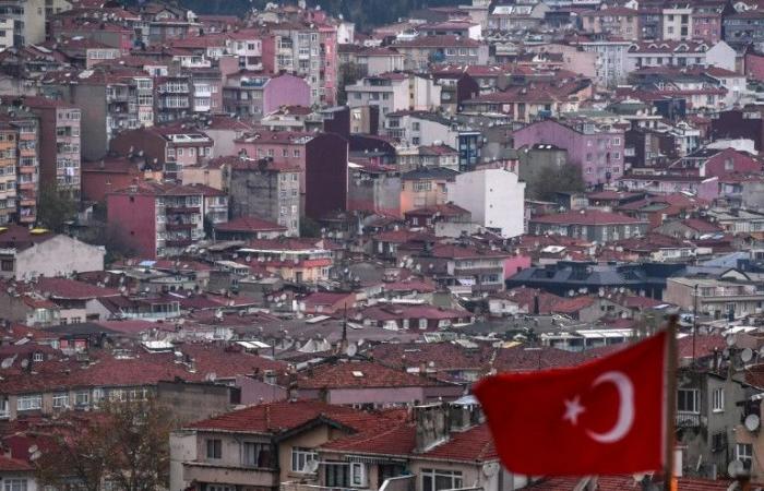 """رئيس بلدية اسطنبول يعتبر قرار إبطال انتخابه """"خيانة"""""""