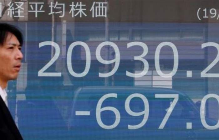المؤشر نيكي يفتح على هبوط بنسبة 0.33% في طوكيو