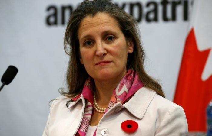"""وزيرة خارجية كندا تدعو كوبا إلى أن تكون """"جزءًا من الحل"""" في فنزويلا"""