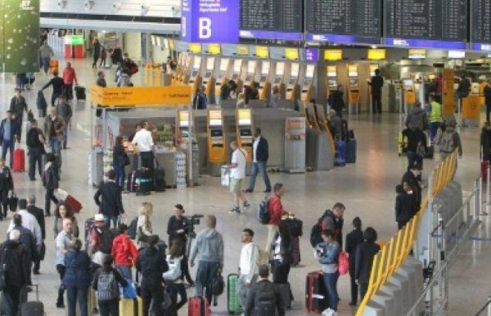 توقف الملاحة الجوية في فرنكفورت بسبب طائرة بلا طيار