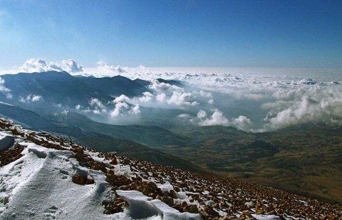 مرصد فضائي في جبل المكمل؟
