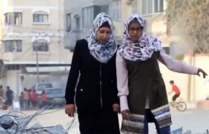 شاهد..شقيقتان فلسطينيتان ترويان قصص الحرب من خلال التمثيل
