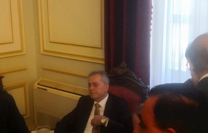 بالصور: سفيرا سوريا وايران في بكركي معزيَين بصفير