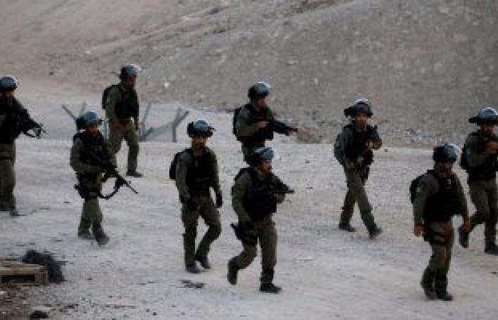 قوات الاحتلال الإسرائيلى تعتقل 13 مواطنا من الضفة الغربية