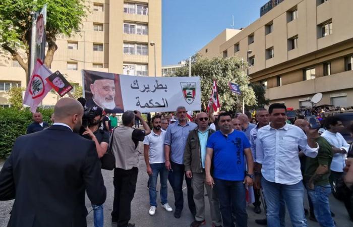 بالصور- حشود ترافق البطريرك صفير من اوتيل ديو الى بكركي