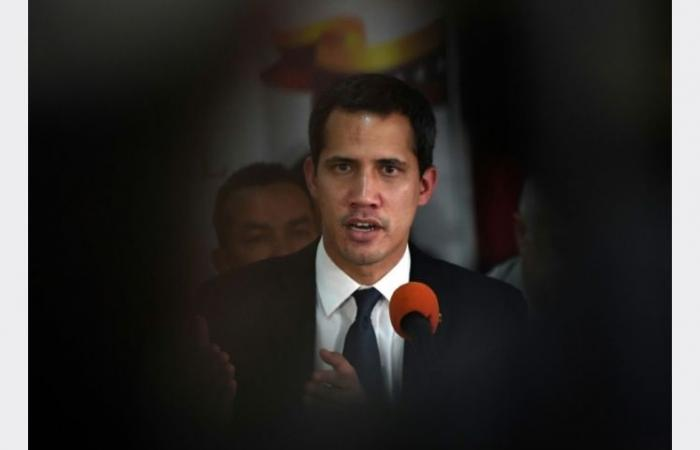 """غوايدو يتهم النظام في فنزويلا بمحاولة """"إسكات"""" البرلمان"""