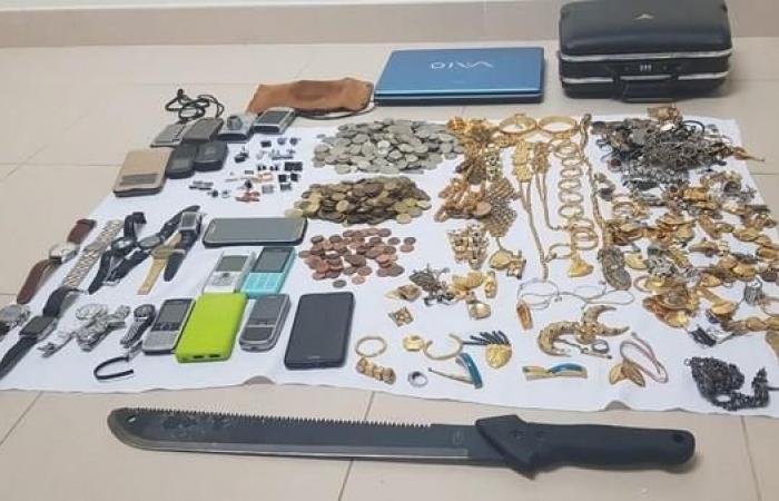 الخليح | السعودية.. هذه تفاصيل الإطاحة بعصابة سرقات في جدة