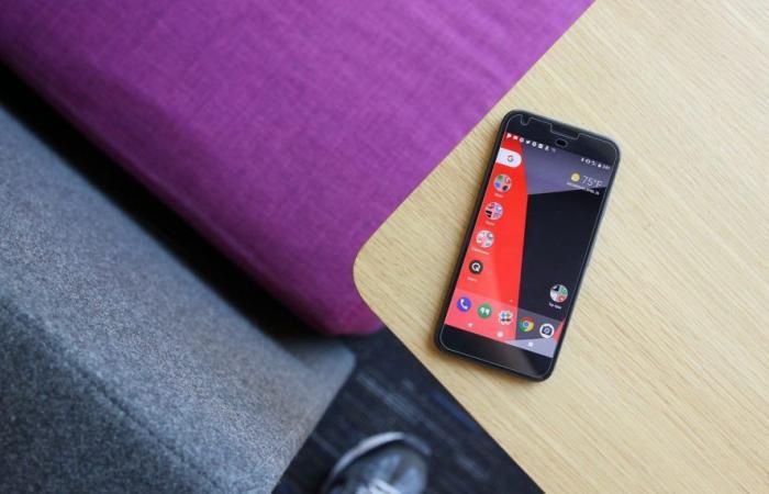 جوجل توافق على تعويض أصحاب هواتف بيكسل المعيبة
