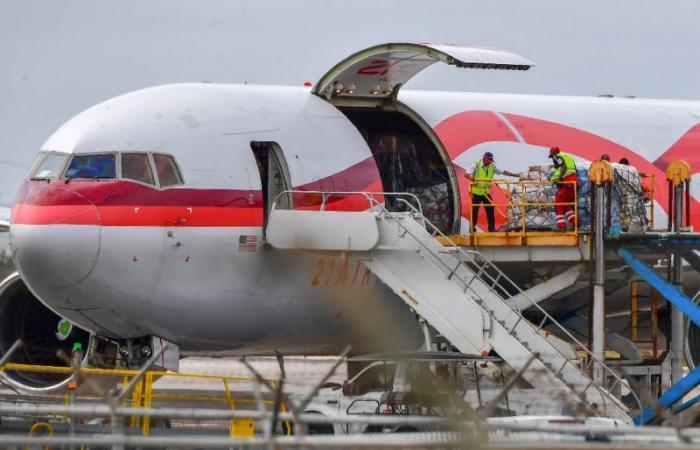 الولايات المتحدة توقف جميع الرحلات الجوية الى فنزويلا