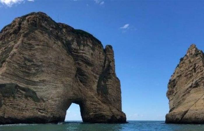 لبنان يستضيف بطولة القفز عن صخرة الروشة في تموز
