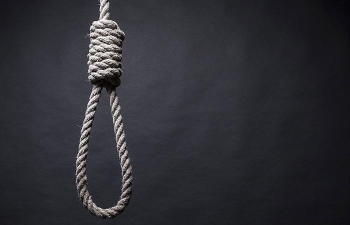 """فتاة تنتحر بعد أن صوت متابعوها بـ""""نعم"""" على إنستغرام"""