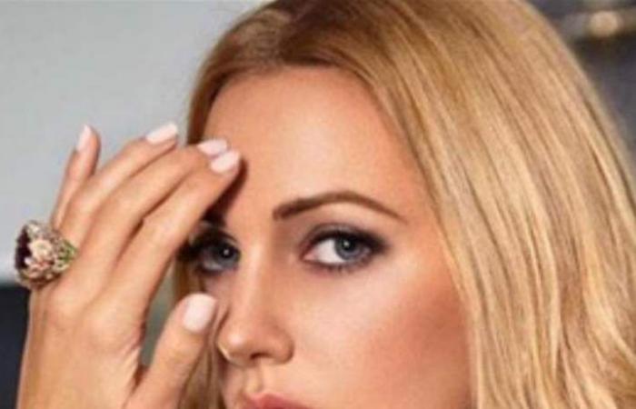 مريم أوزرلي تصدم الجميع بإطلالتها.. فستان شفاف وأكثر! (صور)