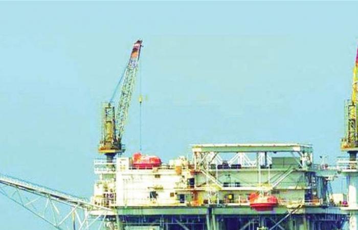 إغلاق مضيق هرمز الخطر الاكبر.. لبنان يراقب بقلق مصير أسعار النفط