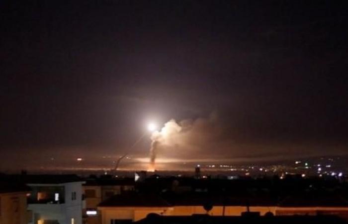 سوريا | غارات جوية قرب دمشق.. ودفاعات النظام تتصدى