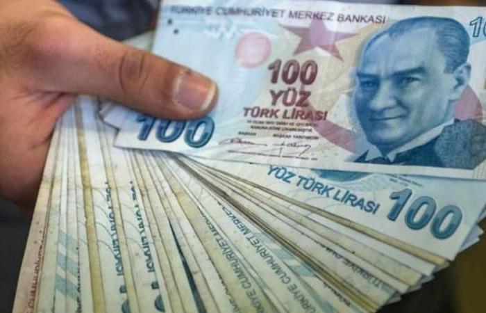 تركيا.. الليرة تتراجع بعد تحركات أميركية بشأن التجارة