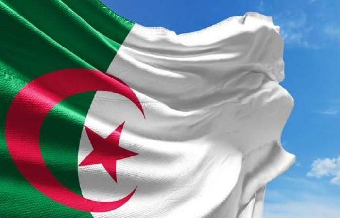 """الجزائر تحتفل بـ""""عيد الطالب"""" في ظل الحراك الشعبي"""