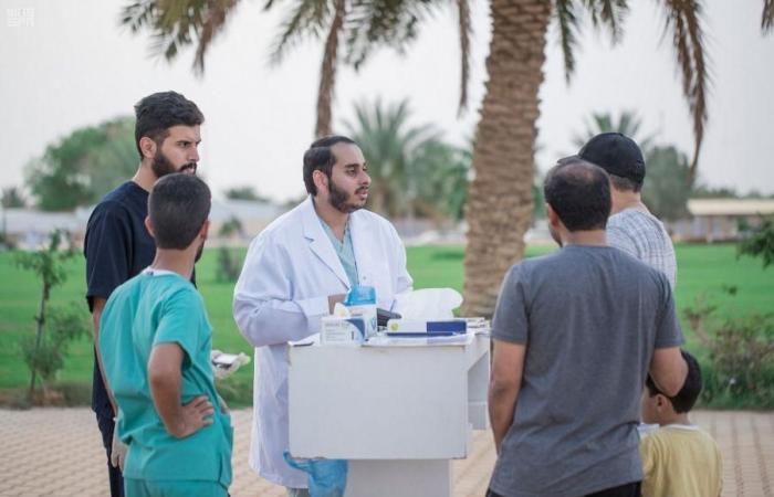 الخليح | شاب سعودي يدرب أكثر من 400 شخص بإحدى حدائق بريدة
