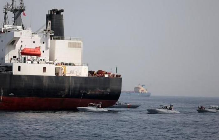 الخليح | الإمارات ترحب بانضمام دول للتحقيق بتخريب السفن