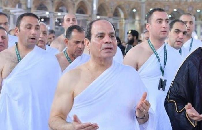 مصر | بالصور.. السيسي يؤدي مناسك العمرة