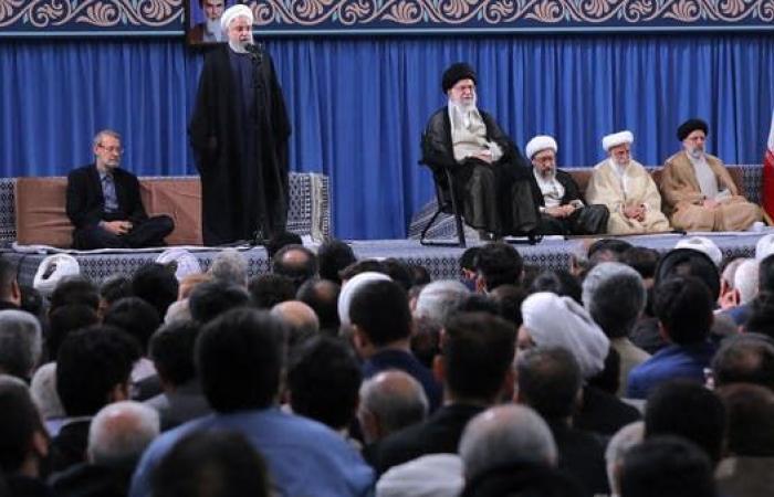 إيران | خامنئي يرفض التفاوض مع واشنطن.. وروحاني يريد