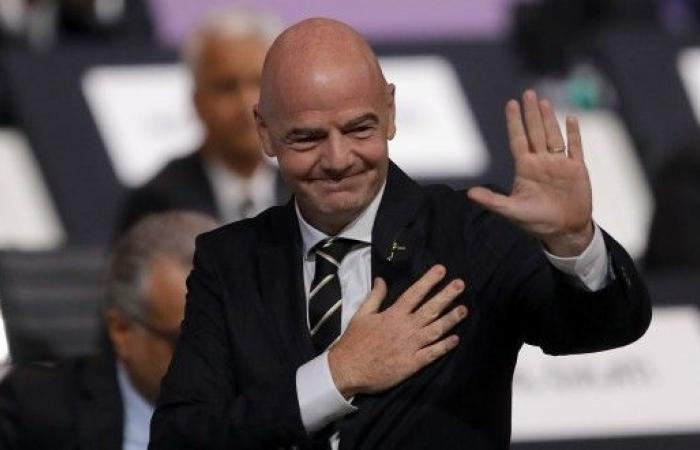 """إعادة انتخاب انفانتينو رئيساً للـ""""فيفا"""" بالتزكية"""
