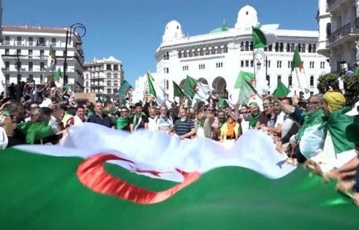 الجزائر.. توقعات بتظاهرات للجمعة الـ16 على التوالي