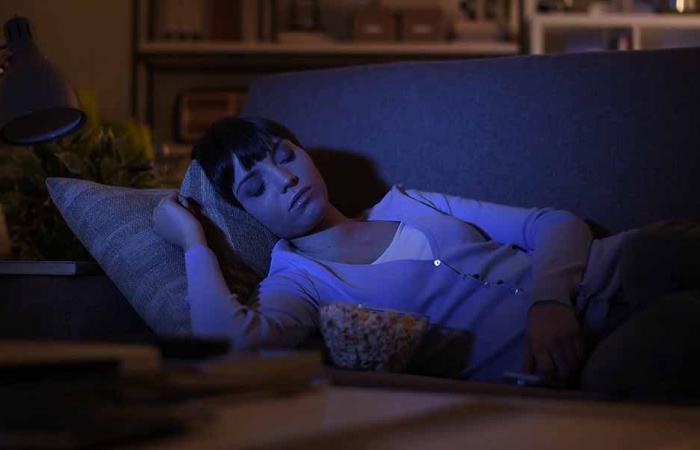 النوم أثناء مشاهدة التلفزيون يؤدي إلى زيادة الوزن؟