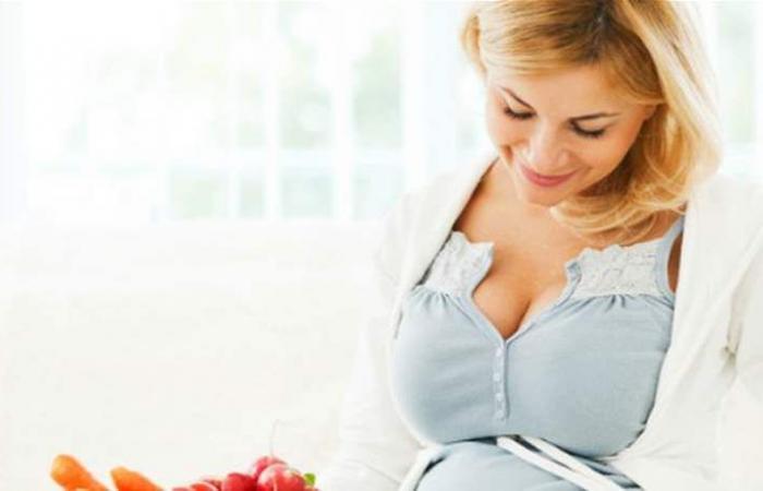إلى الحامل.. الأغذية الغنية بالألياف تحمي طفلكِ من أمراض مميتة!