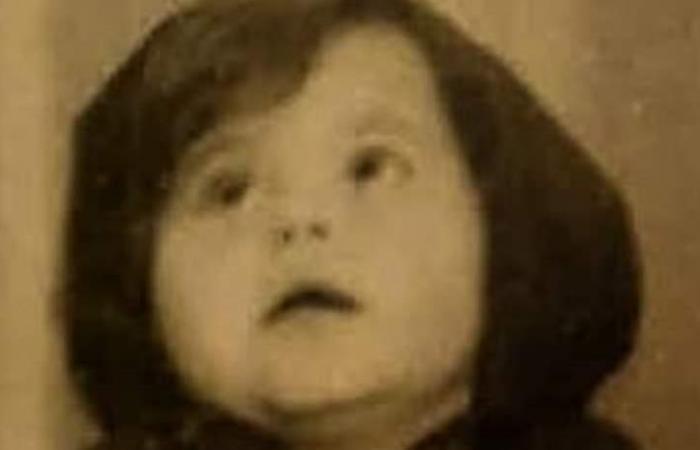لن تصدقوا من أصبحت هذه الطفلة.. ممثلة لبنانية مثيرة للجدل! (صور)