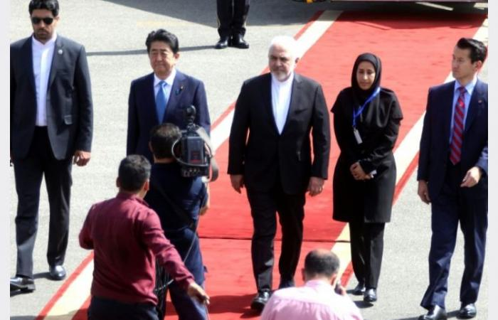 وصول رئيس وزراء اليابان إلى طهران