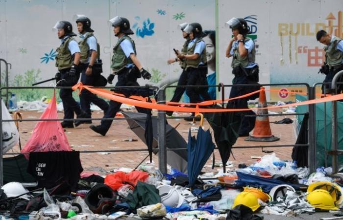 المتظاهرون في هونغ كونغ يعدون بمسيرة كبرى الأحد