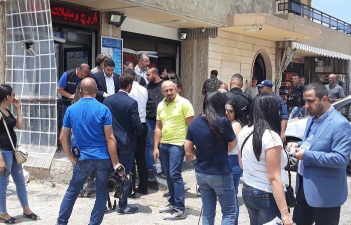 """""""الاقتصاد"""" تقفل محلات لسوريين في الدامور"""
