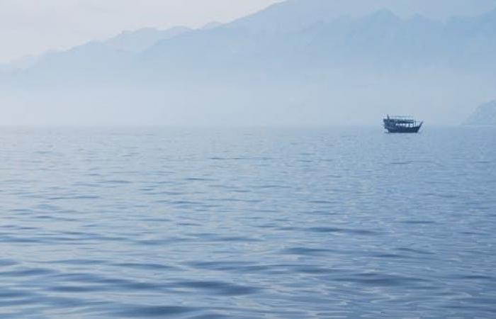 الخليح | هيئة السلامة البحرية البريطانية: حادث غامض في خليج عُمان