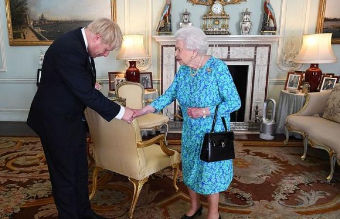 جونسون رئيس الوزراء الرقم 14 لبريطانيا