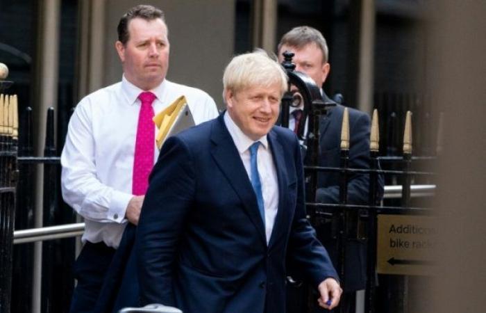 جونسون في قصر باكينغهام لتولي مهام رئاسة الحكومة رسميًا