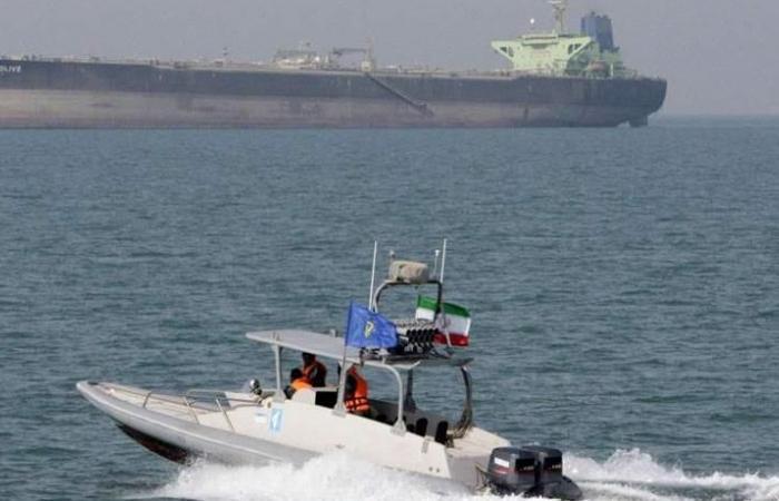 السعودية تدعو مشتري النفط لتأمين الشحنات في هرمز