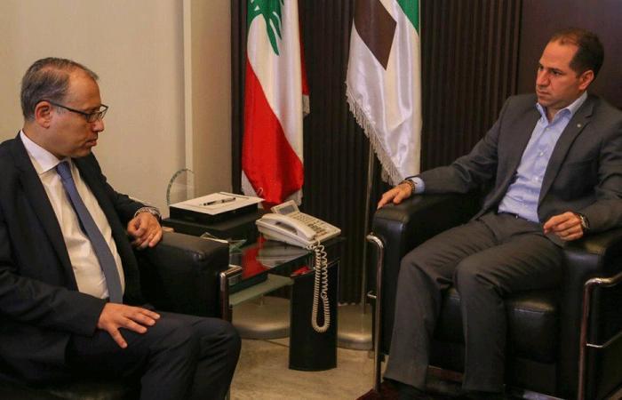 الجميّل بحث مع السفير المصري التطوّرات
