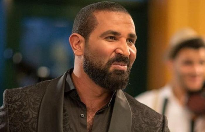 أحمد سعد يتعرض لانتقاداتٍ لاذعة بسبب أغنيته الجديدة.. والجمهور: الوقت غير مناسبٍ!